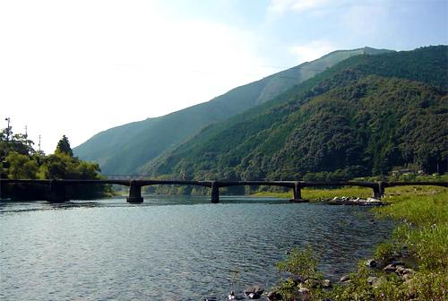 Indoor Ohashi (popular name / Exit indoor subsidence bridge)
