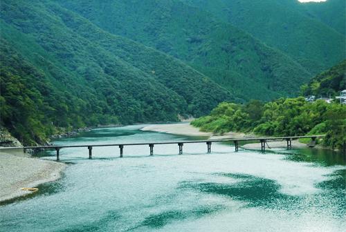 Iwama subsidence bridge